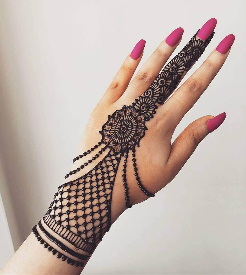 Trendy Jewellery Mehndi Designs For Girls Kurti Blouse